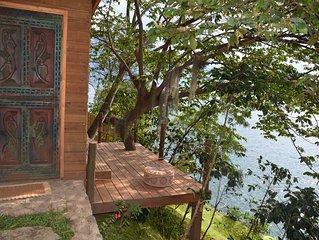 Spectacular Lakefront Cabin - Baba Yaga Atitlan