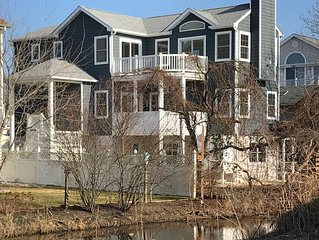 Brand-new Cape May Construction sleeps 2-14, just two blocks to beach!