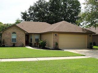 Ultra Clean & Private Oakleaf Area Suburban Home
