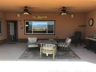Spacious House close to Laughlin, Lake and River - lots of parking