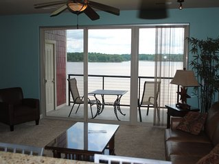 LAKEFRONT. Private Balcony!!