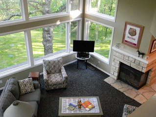 Elegant 3BR/3.5BA, 'Treehouse' View! Sleeps 8 in Beds! Screen Porch, Fire Pit