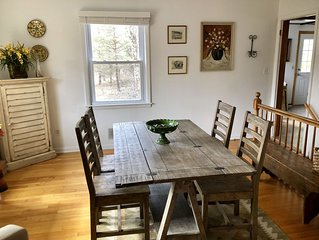 2 miles to Kripalu, Tanglewood, small house (sleeps up to 4)