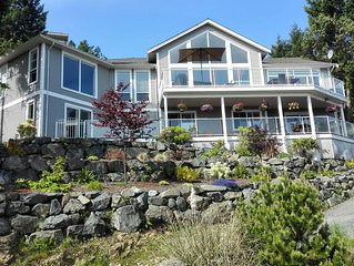 Nanaimo Ocean View Guesthouse - One Queen Bed Suite with sea view