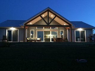 Newly Built Beachfront Cottage Located In Amazing Thunder Cove