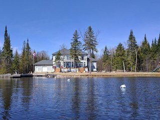 New 6 Bedroom Lakehouse - Private Sandy Beach, 5 Minutes from Bobcaygeon, Plenty