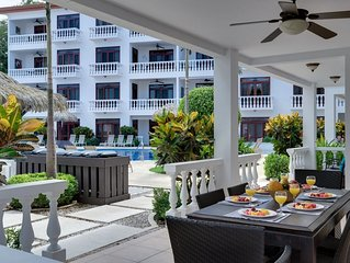 Magnificient and Spacious Poolside 3BR Condo