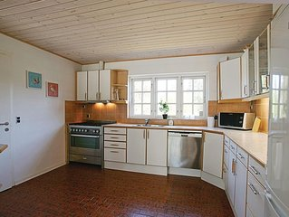 4 Zimmer Unterkunft in Hornbæk