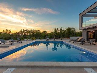Luxury Villa Quadra in Pinezici