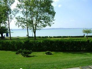 Ferienwohnung auf Erdgeschoss direkt neben See mit Wellness & Klima & frei WIFI