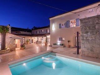 NEU - Top Angebot Besonderes Juwel mit 5 Schlafzimmern renovierte Kunstlervilla
