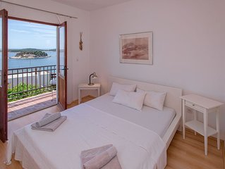 Elegant and comfortable 1 bedroom apartment with a beautifull view to the sea