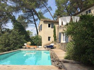 Belle maison avec vue et piscine à proximité immédiate de Lourmarin