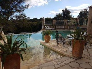 Le Monts des Oliviers,Domaine,appart 2 personnes dans villa, avec piscine