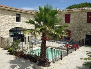 Mas renove de 12 a 26 personnes proche Camargue entre Nimes et Montpellier