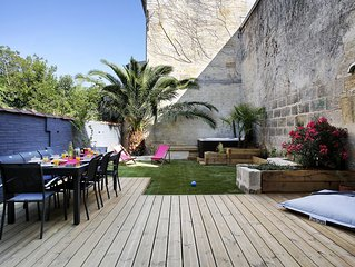 Bordeaux Ravissante maison bordelaise 12 personnes -   jardin  - jacuzzi