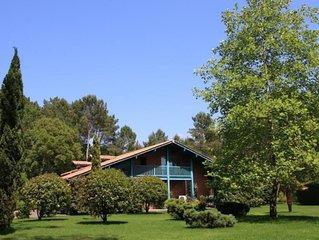 Superbe villa 4 *spacieuse et calme. Piscine chauffee. A 10 mns des plages.