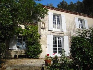 Provencal character villa between Saint Remy and