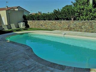 Maison moderne avec piscine, jardin, au calme dans une impasse