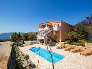 Elegant apartment near the sea - private parking, barbecue area, terrace, pool