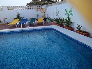 Superbe villa avec piscine and Wifi