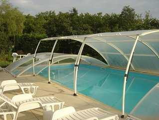 Spacieuse maison avec piscine