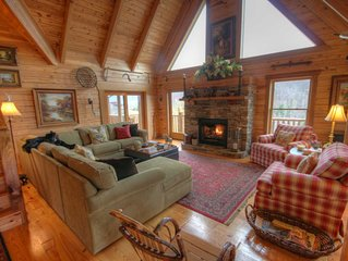 3BR Cabin, Minutes to Boone, Hot Tub, Pool Table, Fire Pit, Views, Granite, Stai