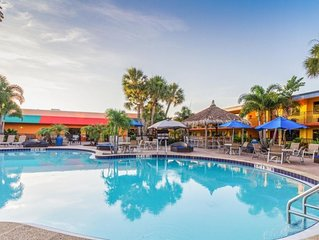 ON-SITE WATERPARK! 2 COMFY UNITS FOR 8 GUESTS, CLOSE TO UNIVERSAL STUDIOS