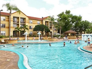VALUE DEAL! COMFY 2BR/2BA APARTMENT, 4 POOLS, SHUTTLE TO THE PARKS, PARKING!