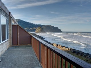 Experience Pacific sands from condo 21, w/ oceanfront views in Neskowin!