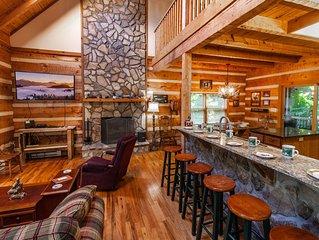 Log Cabin on Seven Devils, Hot Tub, Foosball Table, Master on Main, Good Yard Sp