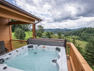 4BR Lodge in Boone, Mountain Views, Hot Tub, Pet Friendly, Game Tables, Nearby S