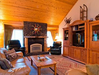 4 Salishan Lane: 4 BR / 3 BA home in Sunriver, Sleeps 8