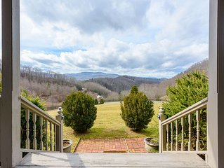 Gorgeous Mountain Home with Hot Tub, Long Range Views, Pool Table, Gas and Wood