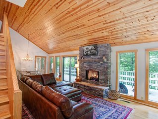 4BR plus 2 Bunk Rooms w/ Hot Tub, Pool Table, Firepit! Minutes to Ski Slopes! Mo