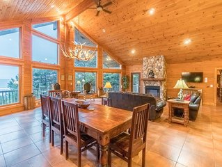 Amazing Ocean Views Sleeps 8 guests with spacious hilltop setting