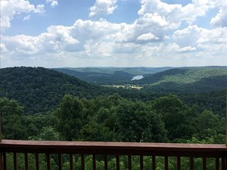 Victory View, Giant Vista of Lake Leatherwood Valley, Large Decks, Spa Tub for T