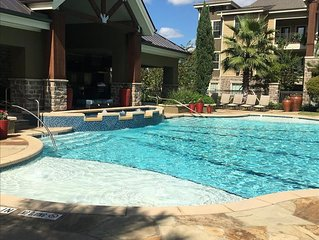 Pool View 1 Bedroom / 1 Bath Condo in The Woodlands**