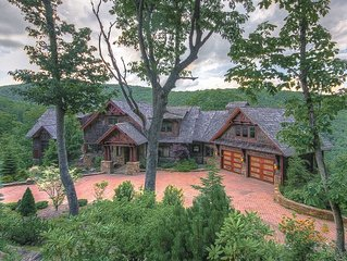 6,400SF Mtn Home, Views, Pool Table, Outdoor Fireplace, Near Downtown Boone, Pet