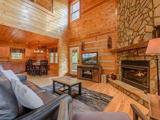3 BR Log Cabin, Scenic Views, Large Decks, Hot Tub, Grill, Ping Pong, Foosball