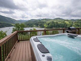 3BR Cabin on Watauga Lake, Hot Tub, Foosball, Pet Friendly, Deck & Grill
