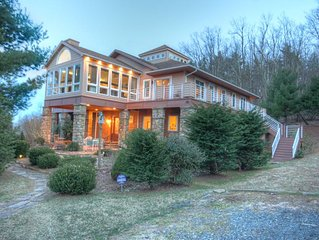 Sleeps 30, Close to Boone & Blowing Rock, 2 Kitchens, Hot Tub, Pool Table, Fire