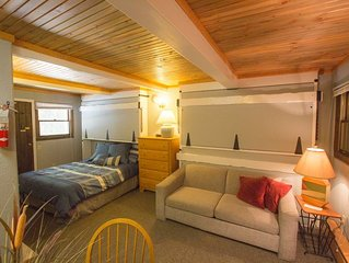 Slopeside Condo at Sunlight Mountain Resort - Studio. 1 Queen Bed, 1 Double Sofa