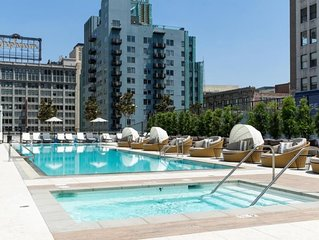 1 Immaculate & Modern Suite w/ Great Views In Downtown LA! Pool, Gym & Hot Tub!