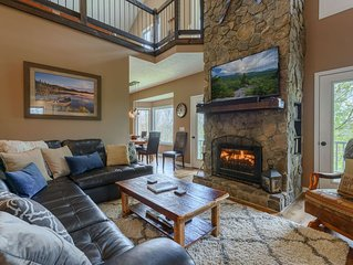 4BR, Hot Tub, Pool Table, Views, 2 King Suites, App Ski Mtn, Minutes to Boone, B