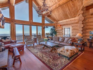 Huge Luxury Lodge with Long Range Mountain Views, Game Tables, Sauna, King Suite