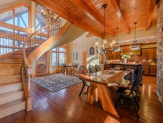 5BR, Upscale Lodge, Big Views, Hot Tub, Game Room, 5,850SF, Wooded Privacy, Outd