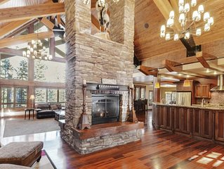 Be wowed by this incredibly spacious, luxury cabin! Enjoy the indoor jacuzzi, an