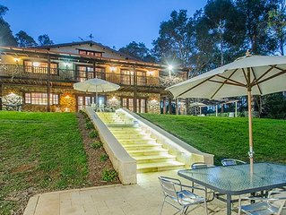 ABBEYS RETREAT YALLINGUP Huge Colonial Aust stone mansion SLEEPS 16 pet friendly