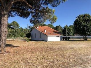 Maison de charme en centre bourg, proche du lac de Sanguinet